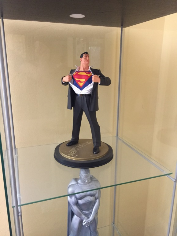 Superman Forever Statue 12""