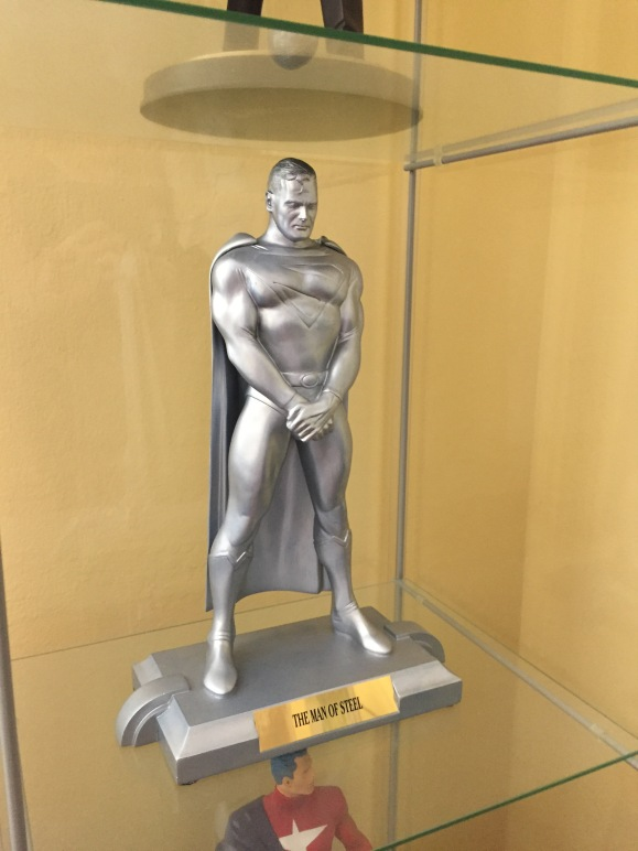 Kingdom Come Superman Statue